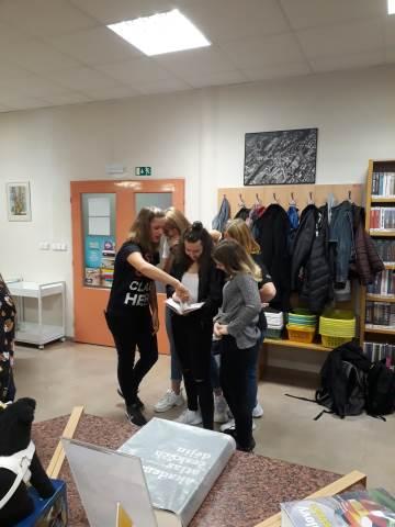 Prváci v Městské knihovně Blansko