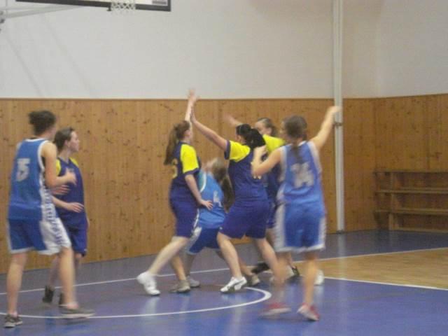 Druhé místo basketbalistek