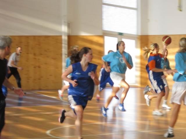 Okresní přebor SŠ v košíkové dívek 2012