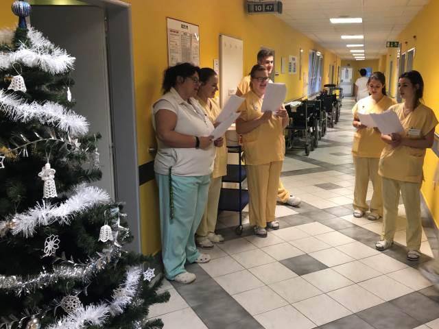 Vánoční zpívání v nemocnici