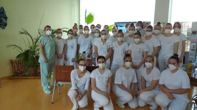 Třída Z2 navštívila blanenskou nemocnici