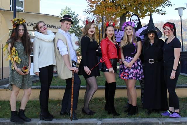 Halloween Mania / Halloween ve škole